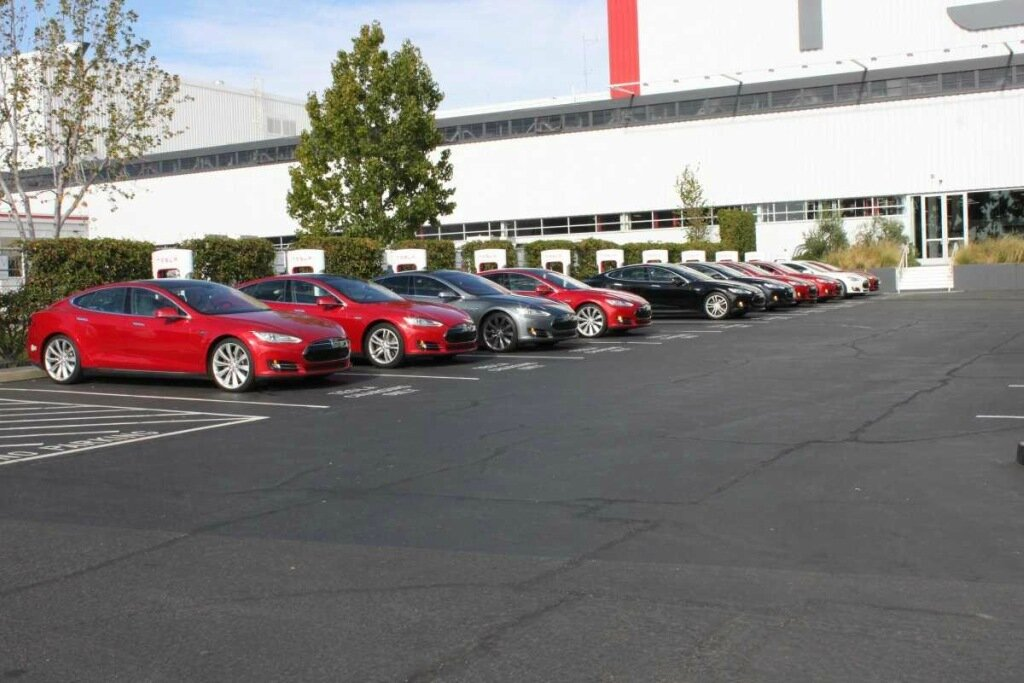 Как собирают автомобиль Tesla