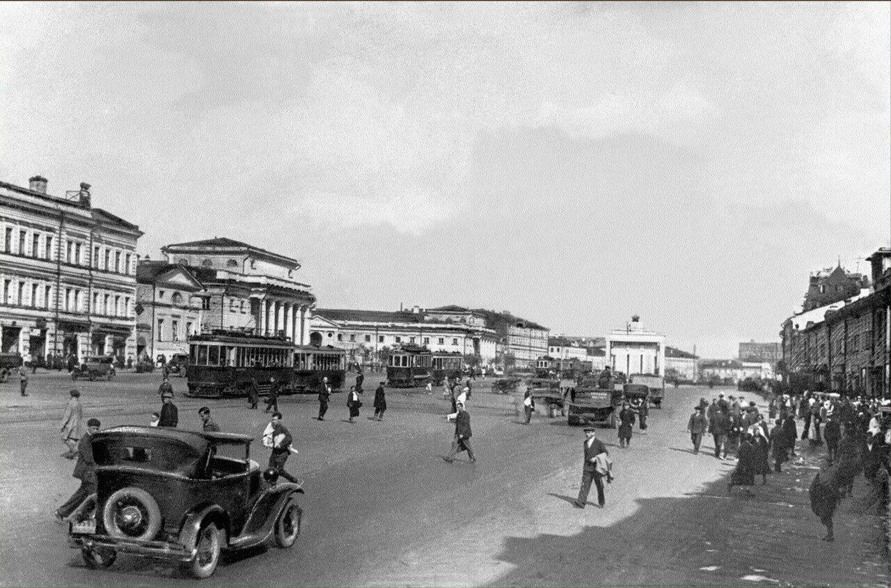 1930-е. Колхозная площадь