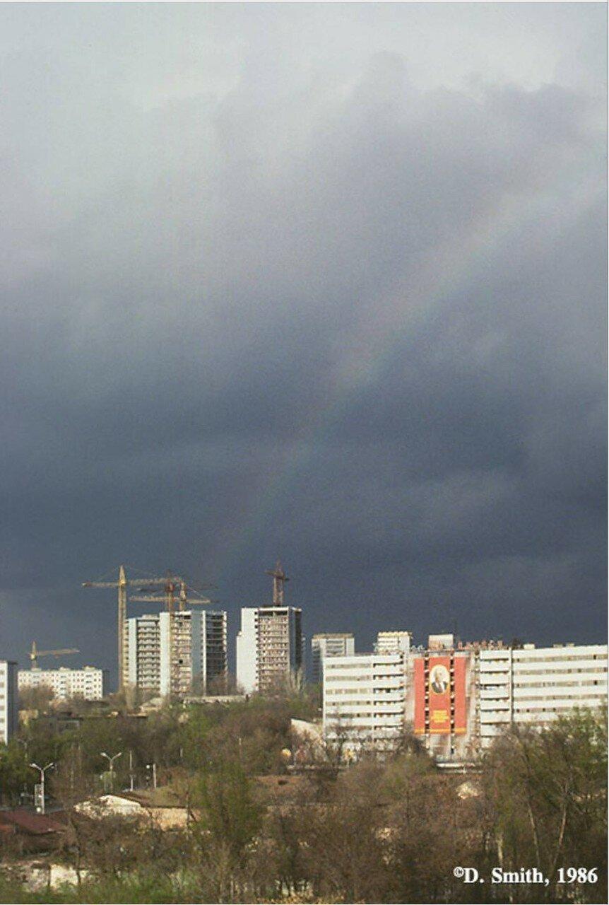 Ташкент. Радуга над новым жилым массивом