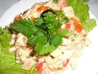 Салат с красной икрой.  Для тех, кто любит салат с креветками.