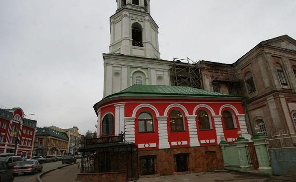 Отремонтированная церковная лавка при Спасском соборе
