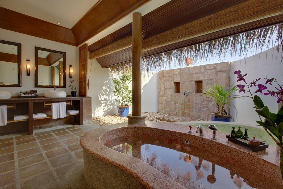Kanuhura Resort, Sun Resorts, отель для молодоженов, отели Мальдивы обзор, обзор отеля на Мальдивах, лучшие отели мира, атолл Лхавийани, вилла Мальдивы