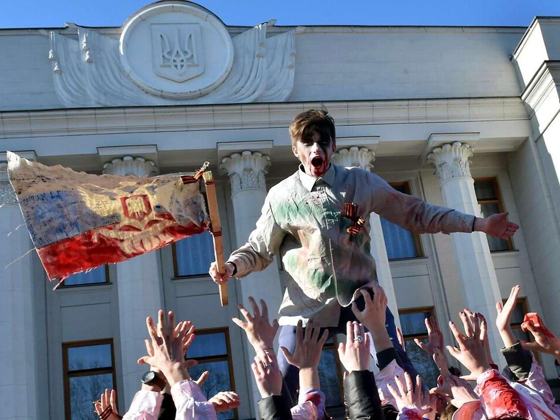 Пляски цивилизованных вурдалаков: Украина на пути в Европу (1)
