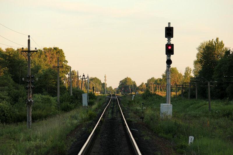 Входной светофор Н станции Осуга, вид на Вязьму