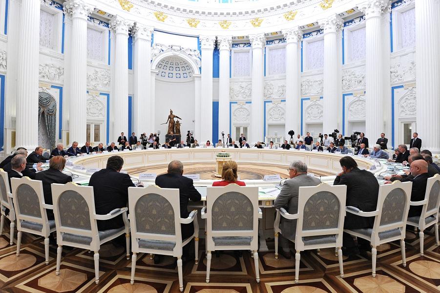 Путин на Совете по науке и образованию, 24.06.15.png