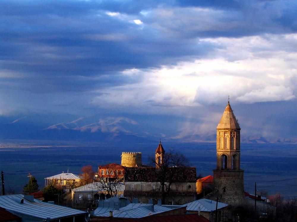 Город Сигнаги иАлазанская долина— родина лучших грузинских вин.