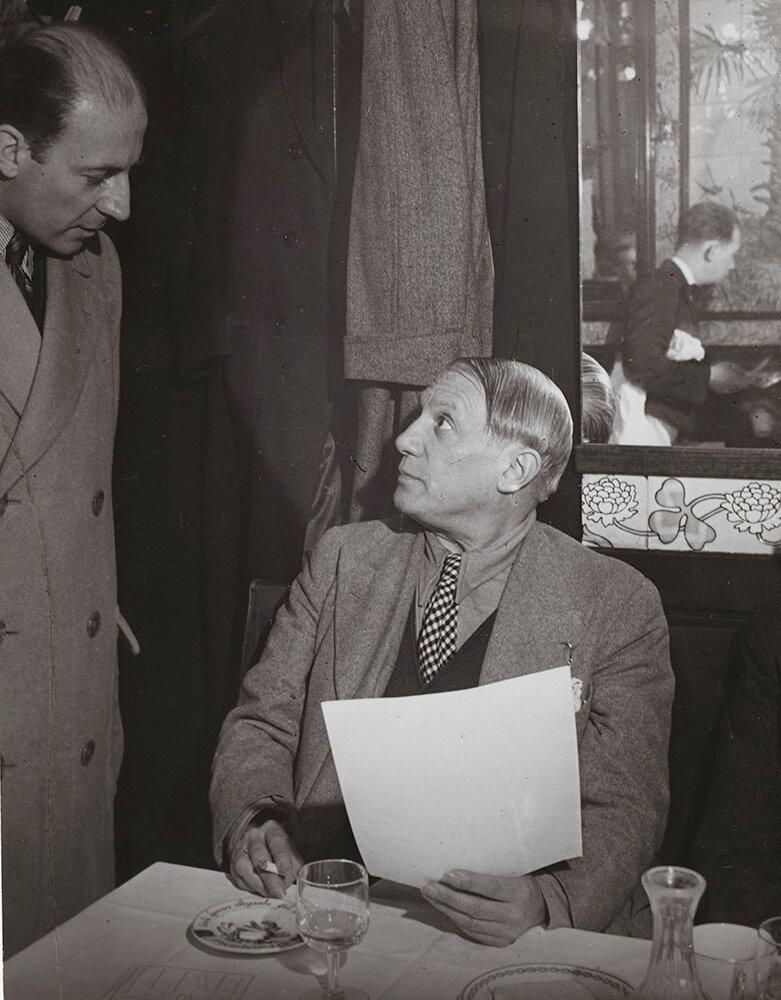1960-е. Пикассо в «Brasserie Lipp» с Пьером Матиссом