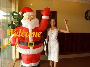6 декабря 2009. В Камбодже готовятся к католическому Рождеству )))