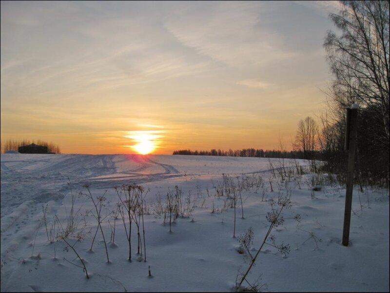 Дорога к закатному солнцу