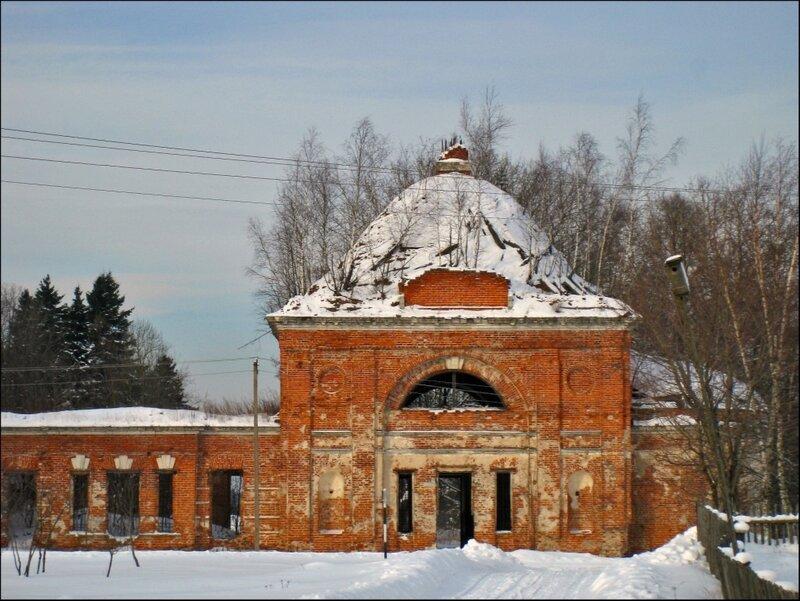 Церковь Успения Пресвятой Богородицы в Морозово