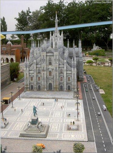 Макет Миланского собора.