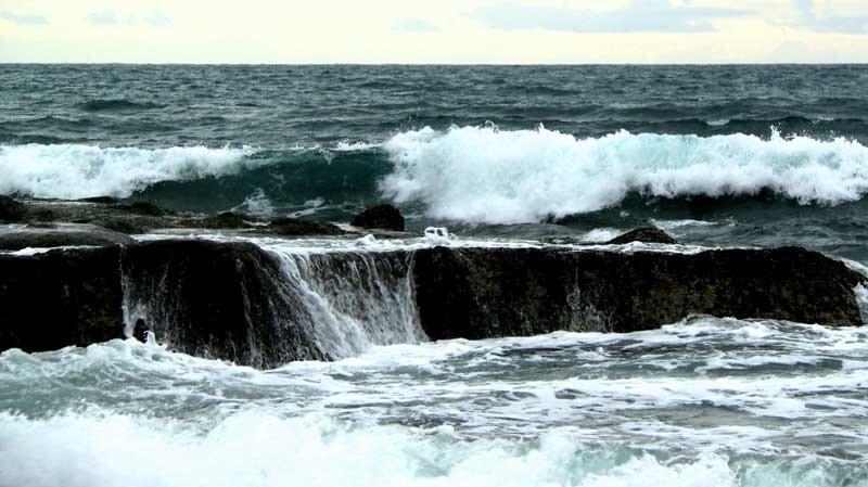 Танах-Лот в непогоду