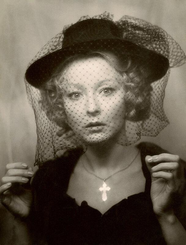 По-моему, женщину в шляпке забыть нельзя. Софи Лорен ...: http://sadalskij.livejournal.com/2533432.html