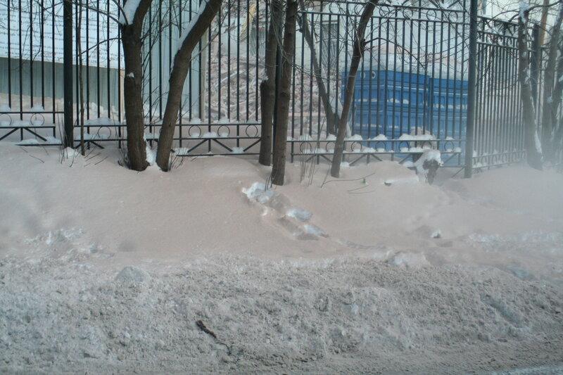 9 января 2010. Незаконный снос дома 11а строение 1 по Подколокольному переулку. Хитровская площадь.