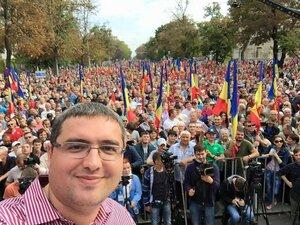 Митинг из Кишинёва перемещается к сбежавшему президенту Тимофти