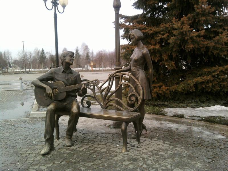 Поющая пара , Тольятти.jpg