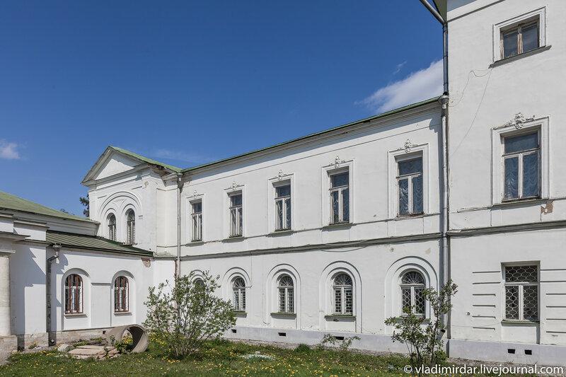 Западное крыло главного здания усадьбы Ивановсое