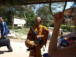 Мужики, до Ангкора подбросите?