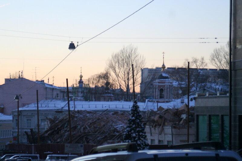 12 января 2010. Рубка 63 деревьев на Хитровской площади.