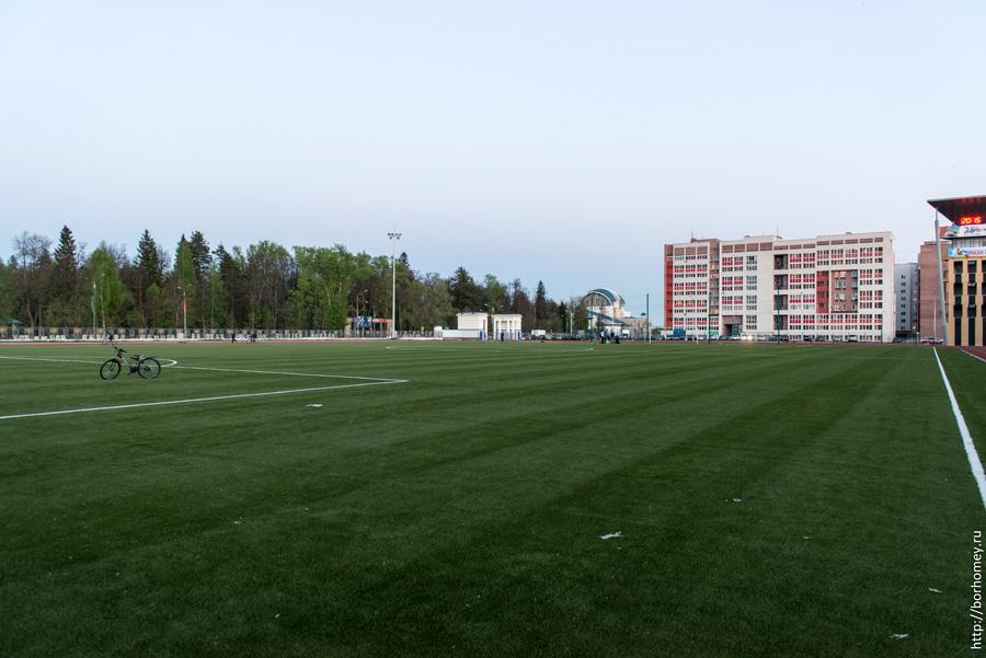 стадион Икар Саров