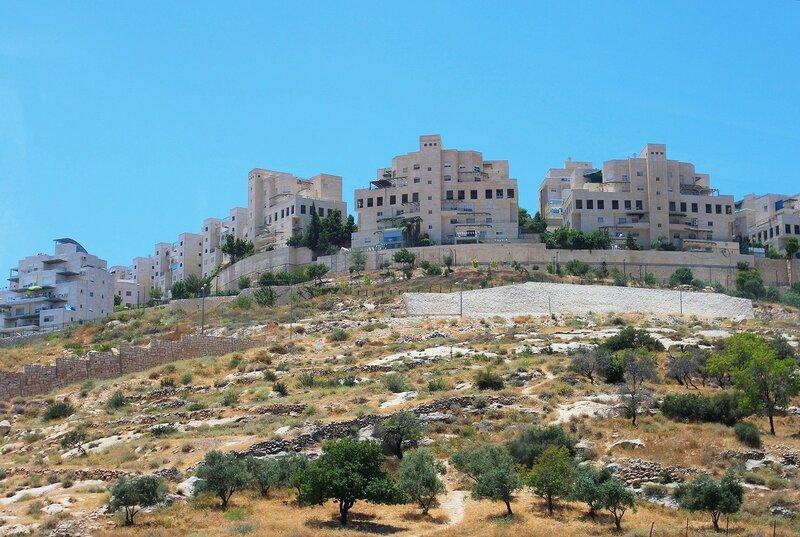 Вдоль элитного квартала  Иерусалима