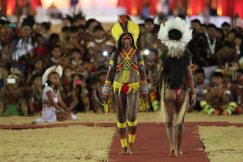 22. Участница конкурса красоты. (Фото Ueslei Marcelino | Reuters):