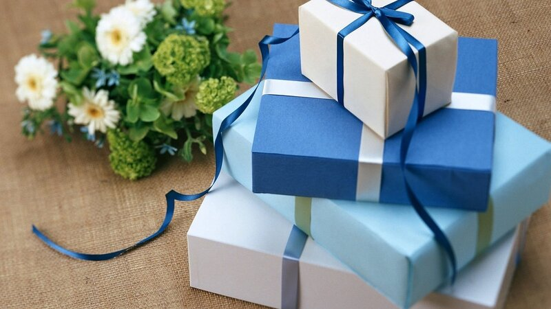 holiday-gift-bouquet-box-1350x2400.jpg