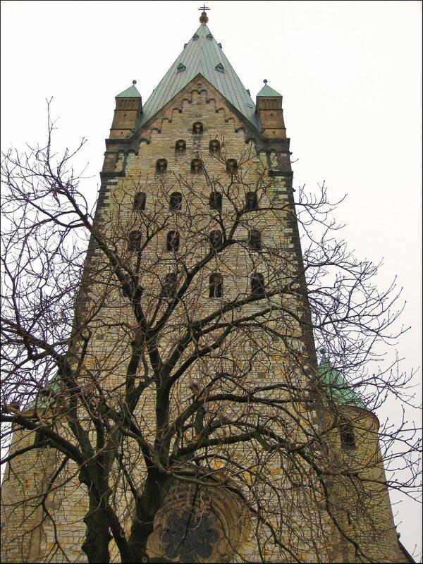 Башня Кафедрального собора Падерборна