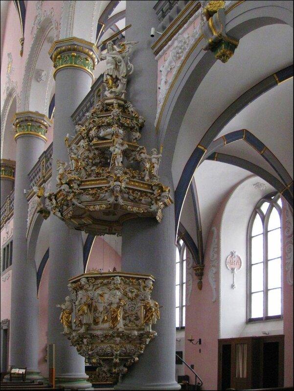 Внутреннее убранство церкви иезуитов в Падерборне