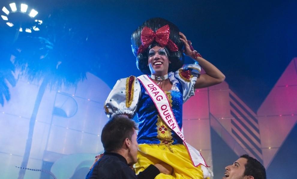Королева Трансвеститов, Супер шоу в Лас Пальмас на Канарских островах