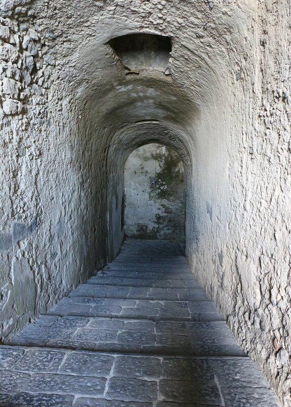 Искья, Арагонский замок