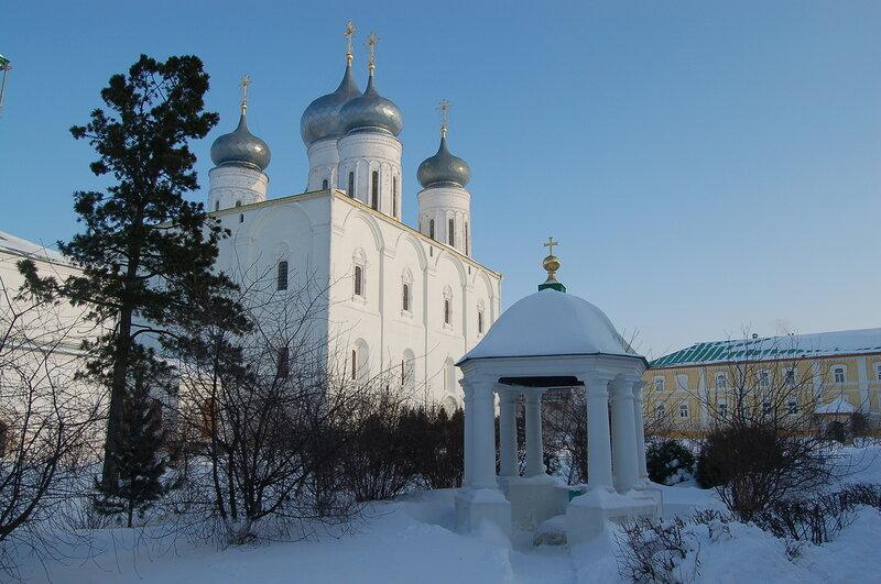 http://img-fotki.yandex.ru/get/4011/h-956139-g.0/0_232da_69ad3360_XL.jpg