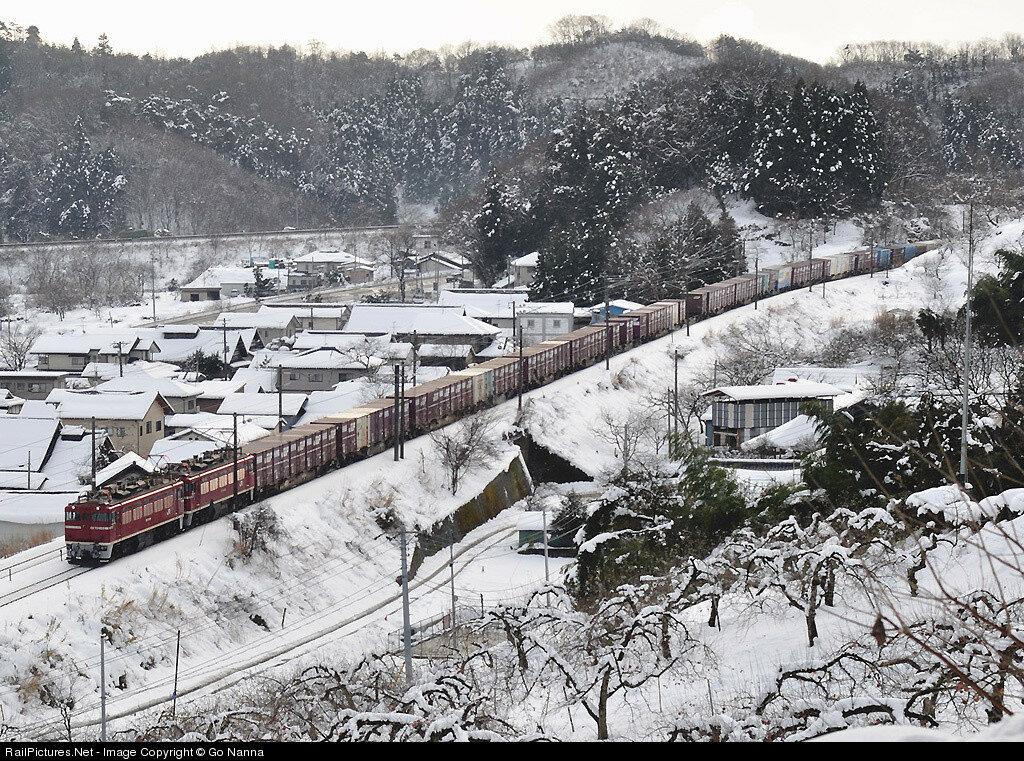 Japan Freight Railway Company ED75 #ED751020 & #ED751008, Kaida - Kosugoh, Shiroishi, Japan, December 20, 2009