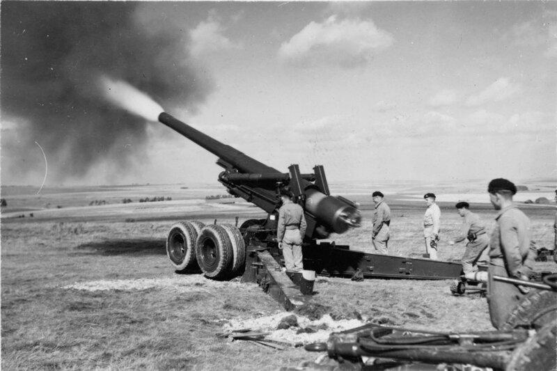 M115 8-inch howitzer 4; firing. [P1-382-1842]  http://uhcl.recollect.co.nz/nodes/view/1039#idx942