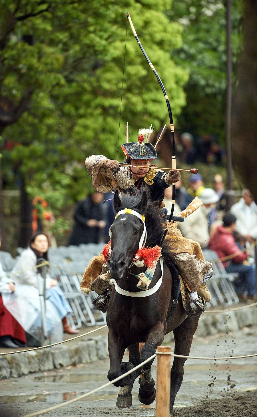 Стреляем из лука на полном скаку: Потомки японских самураев (14)