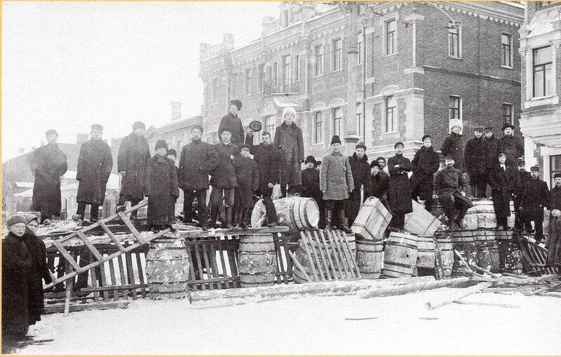 42917 Долгоруковская улица У кондитерской фабрики Реномэ недалеко от Палихи 1905.jpg