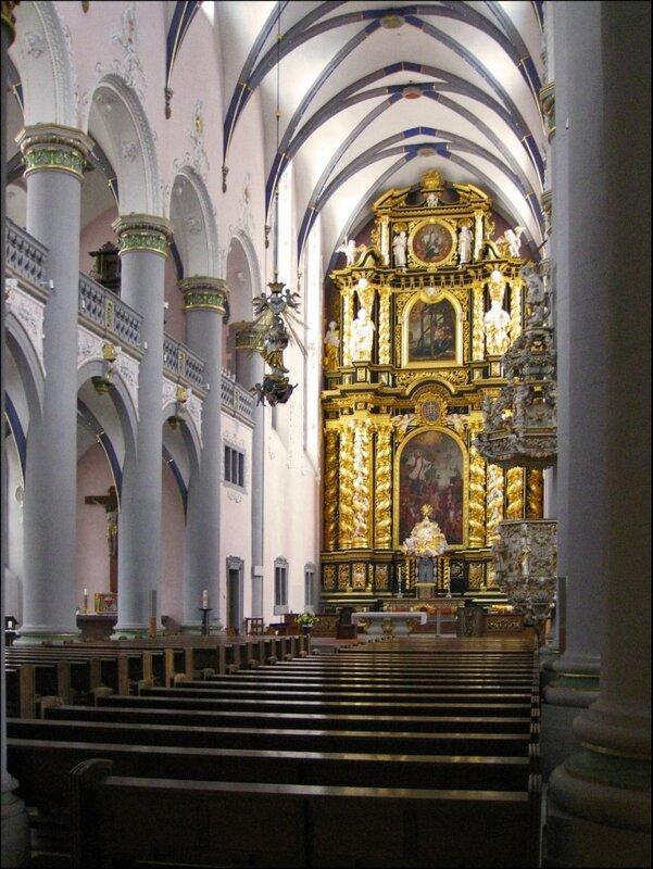 Внутреннее убранство Jesuitenkirche в Падерборне