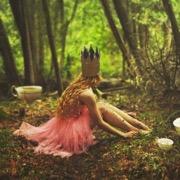 девушка в короне