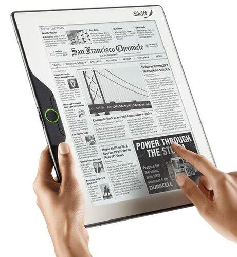 Skiff Reader в руках (для масштаба)