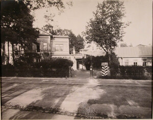 Общий вид здания патроната-убежища (со стороны улицы).
