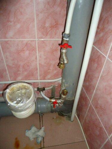 Заменили филитр, обратный клапан и часть трубопровода