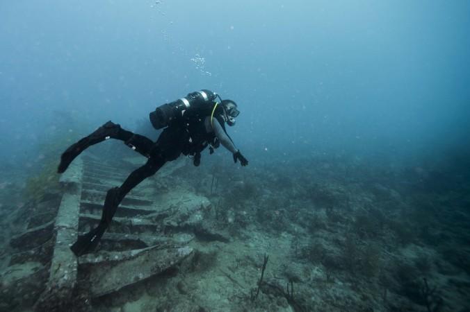 Над затонувшим кораблем.jpg