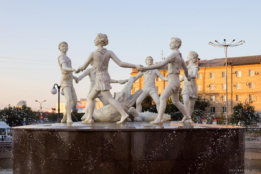 Волгоград, фонтан Хоровод, Бармалей