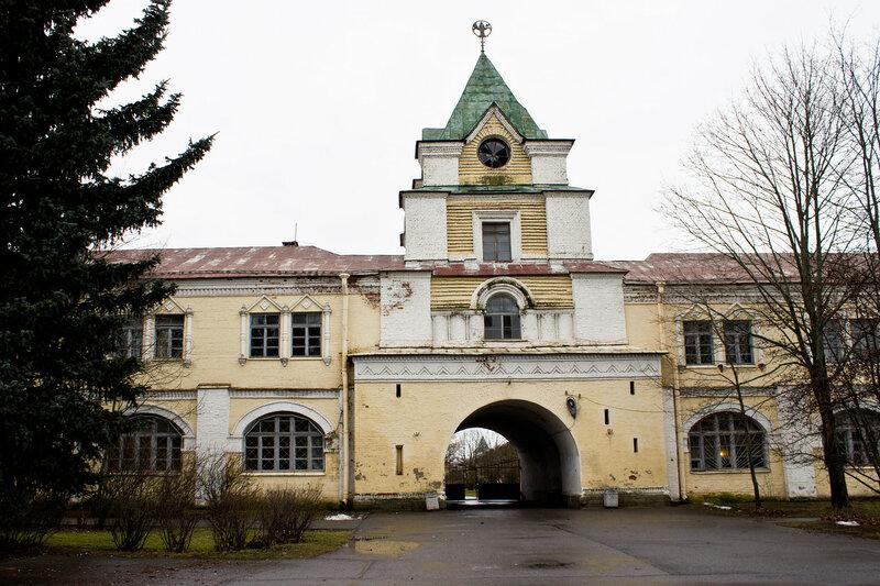 бывшие казармы, здания Аграрного института