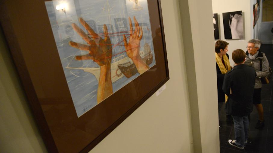 2014-10-04 15_20_02-Михаил Шемякин привез в Воронеж выставку-исследование о руках _ РИА Воронеж - Op.png