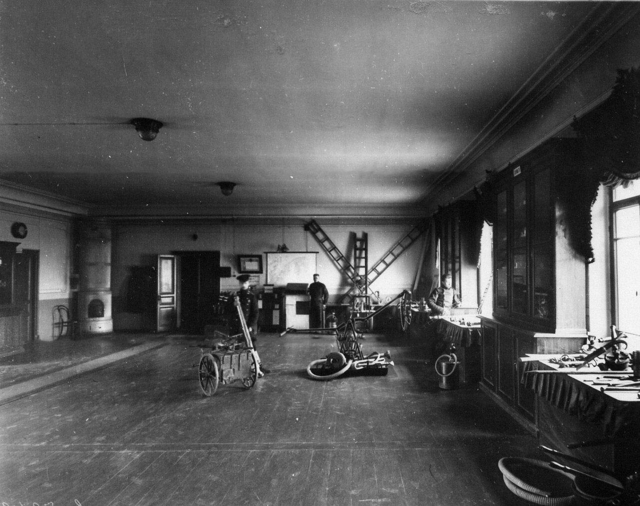 03. Газовые огнетушители, механические лестницы и другое пожарное оборудование