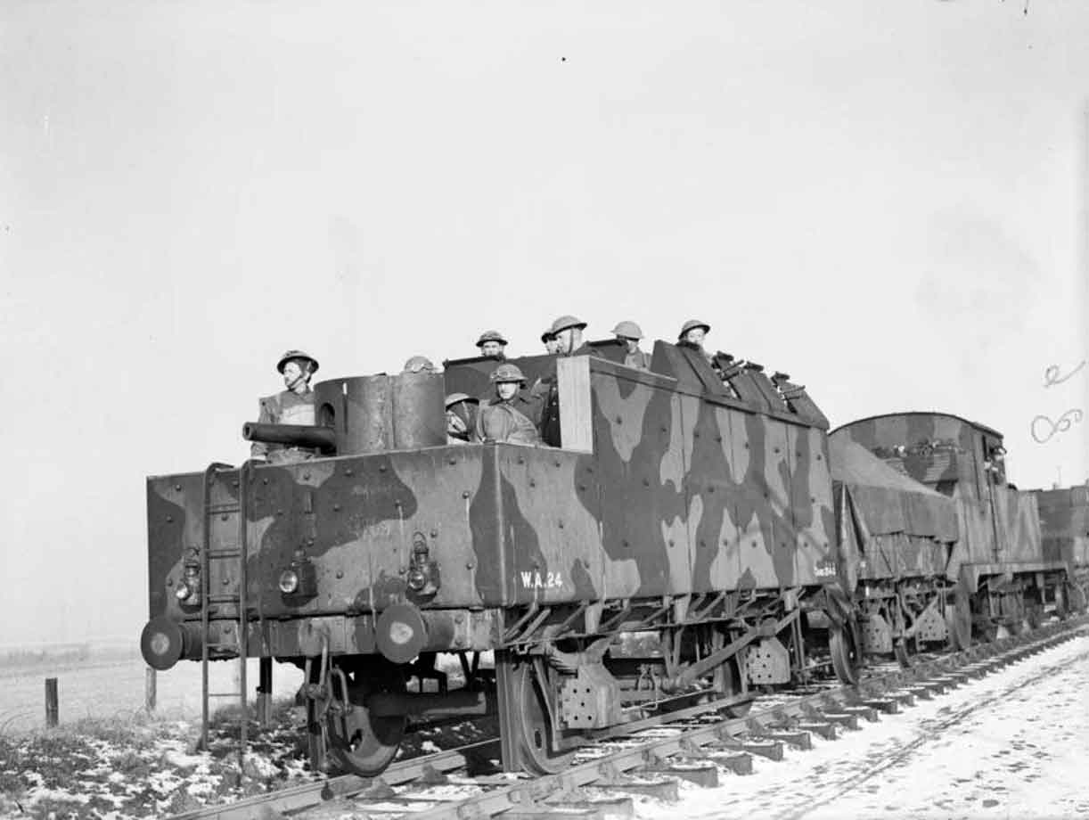 Troops-of-the-1st-Polish-Corps-manning-an-armoured-train.jpg