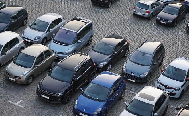 Продажи легковушек в России за июнь выросли на 15% до 141 тысячи автомобилей