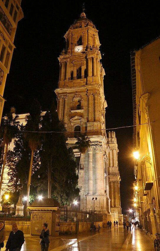 Ночная Малага. Кафедральный собор