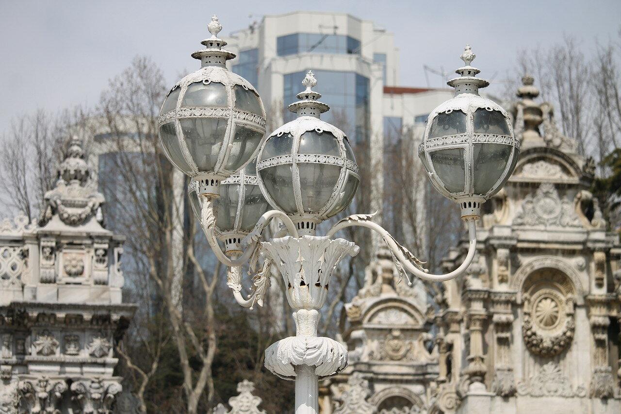 Стамбул, Дворец Долмабахче. Сад Селамлик (Selamlık Bahçesi)
